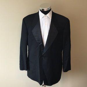 Giorgio Armani mens 43R black tuxedo suit EUC